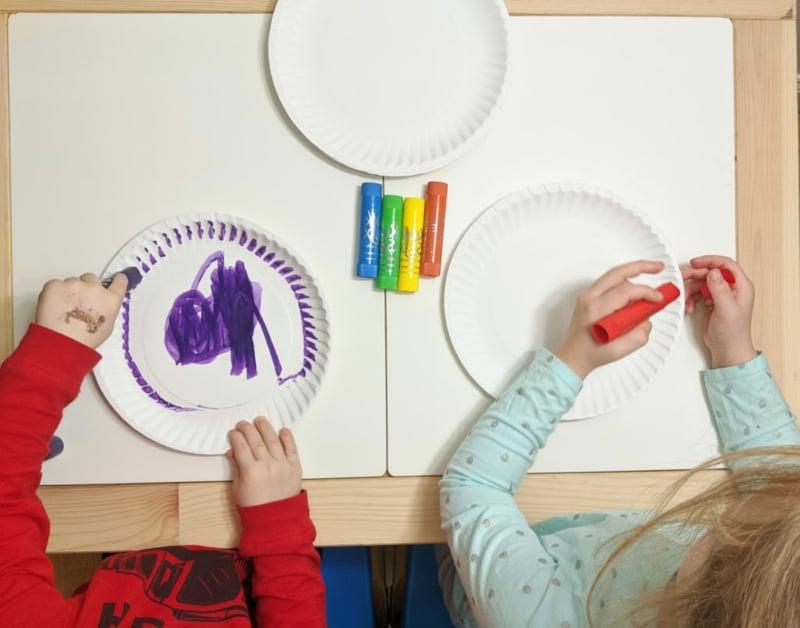 auf Papptellern malen Deko basteln Kinder
