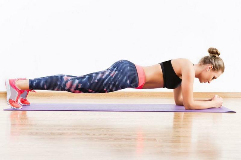 Plank machen Muskel aufbauen