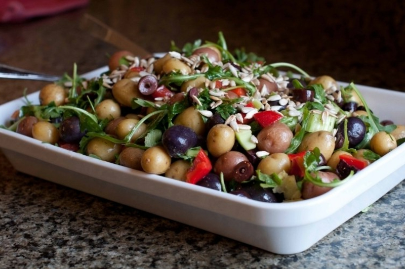 Regenbogen Kartoffelsalat zubereiten