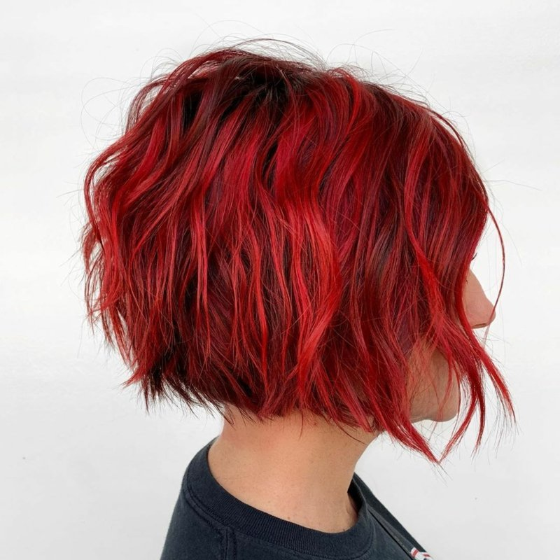 kurze Frauenfrisuren lockiges Haar