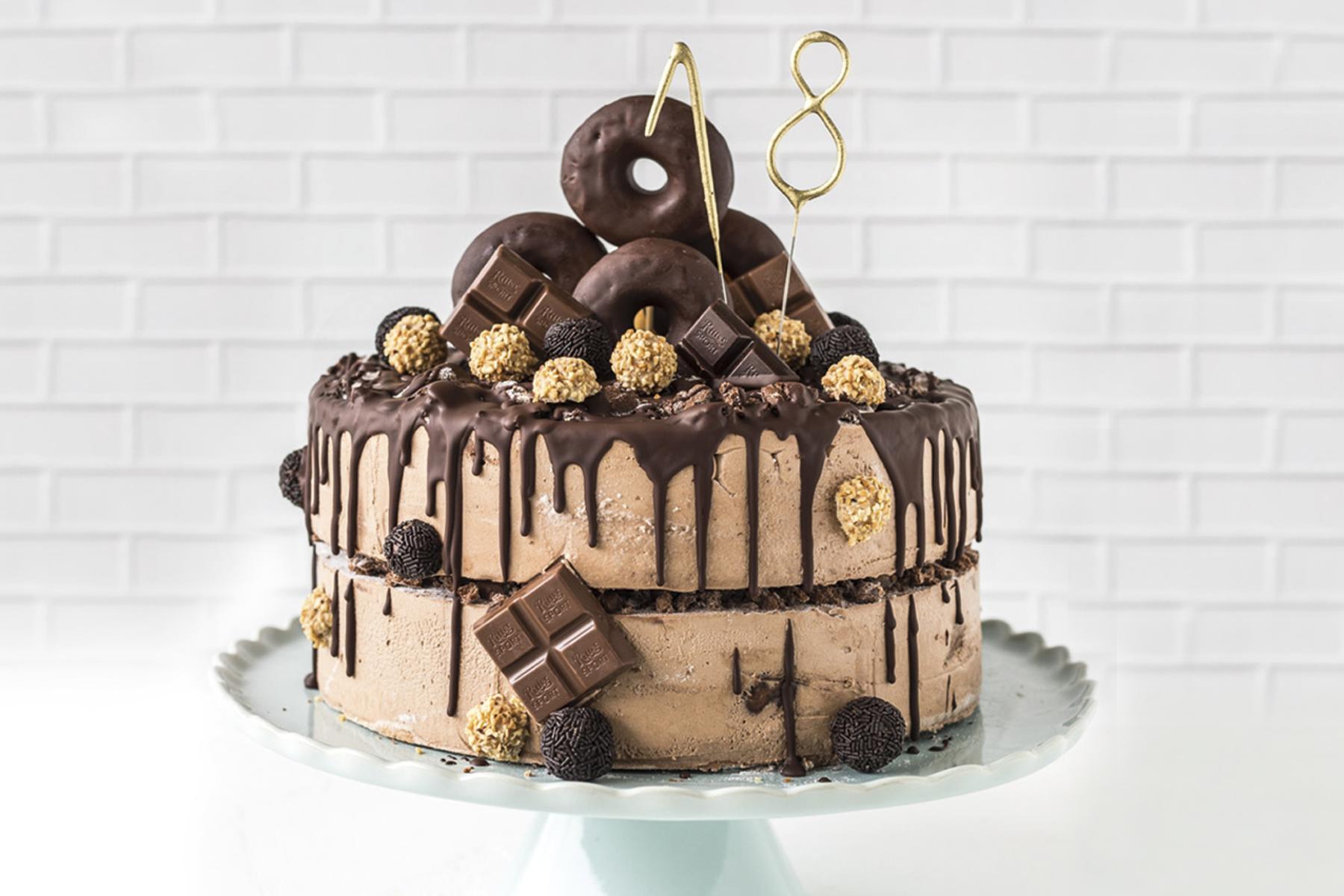 herrliche Schokoladentorte mit Donuts