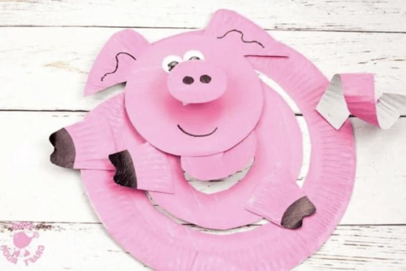 Spiralen aus Pappteller Schweinchen