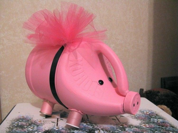 Sparschweinchen ausgefallen Spülmittel Flasche