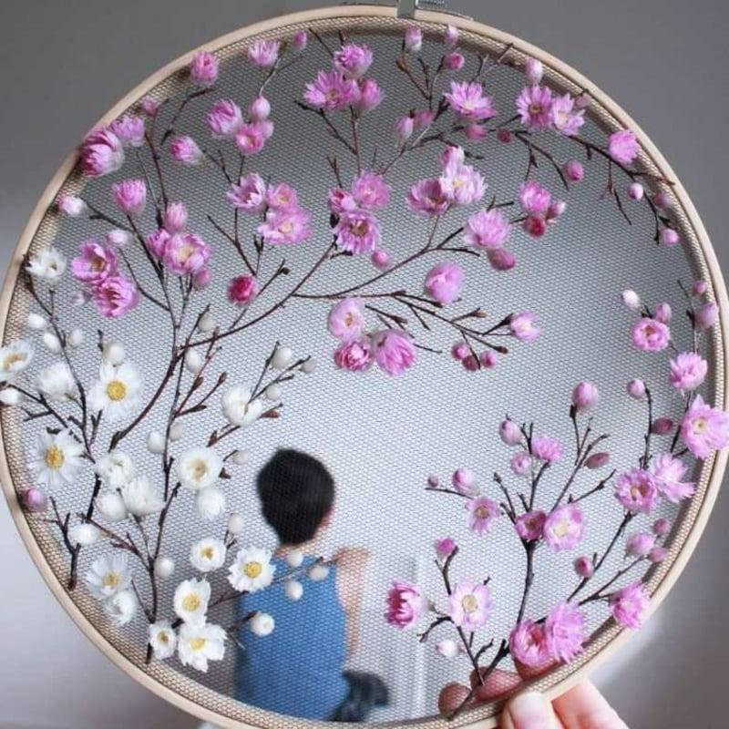 tolle DEkoration mit Blumen und Zweigen