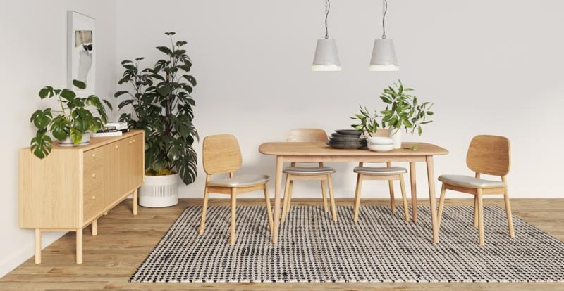 Esszimmer einrichten Holzmöbel großer Teppich