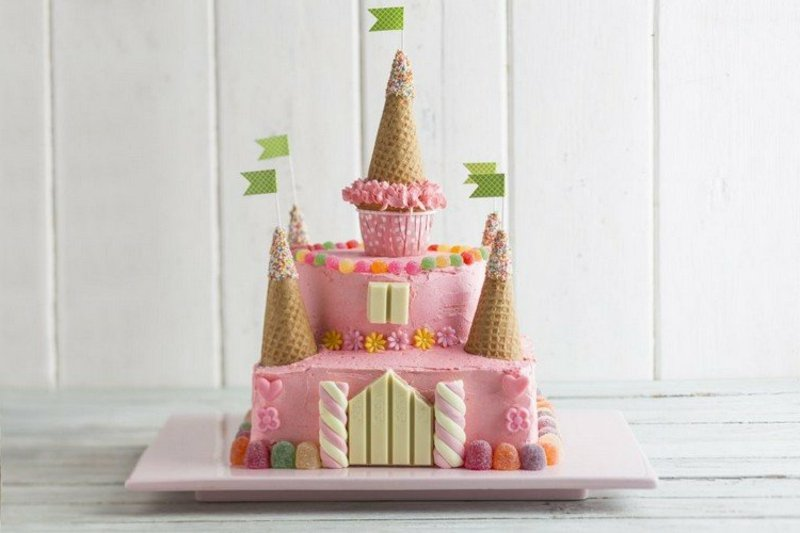 wunderschöne Torte Kindergeburtstag Schloss