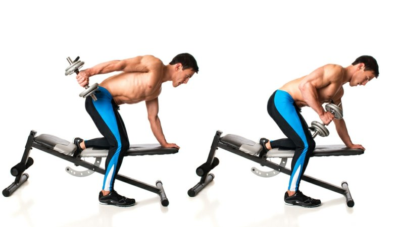 Training mit Kurzhantel im Fitnessstudio oder zu Hause