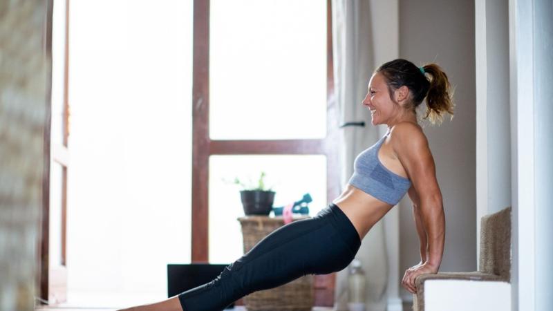 French Press Fitness Trizeps