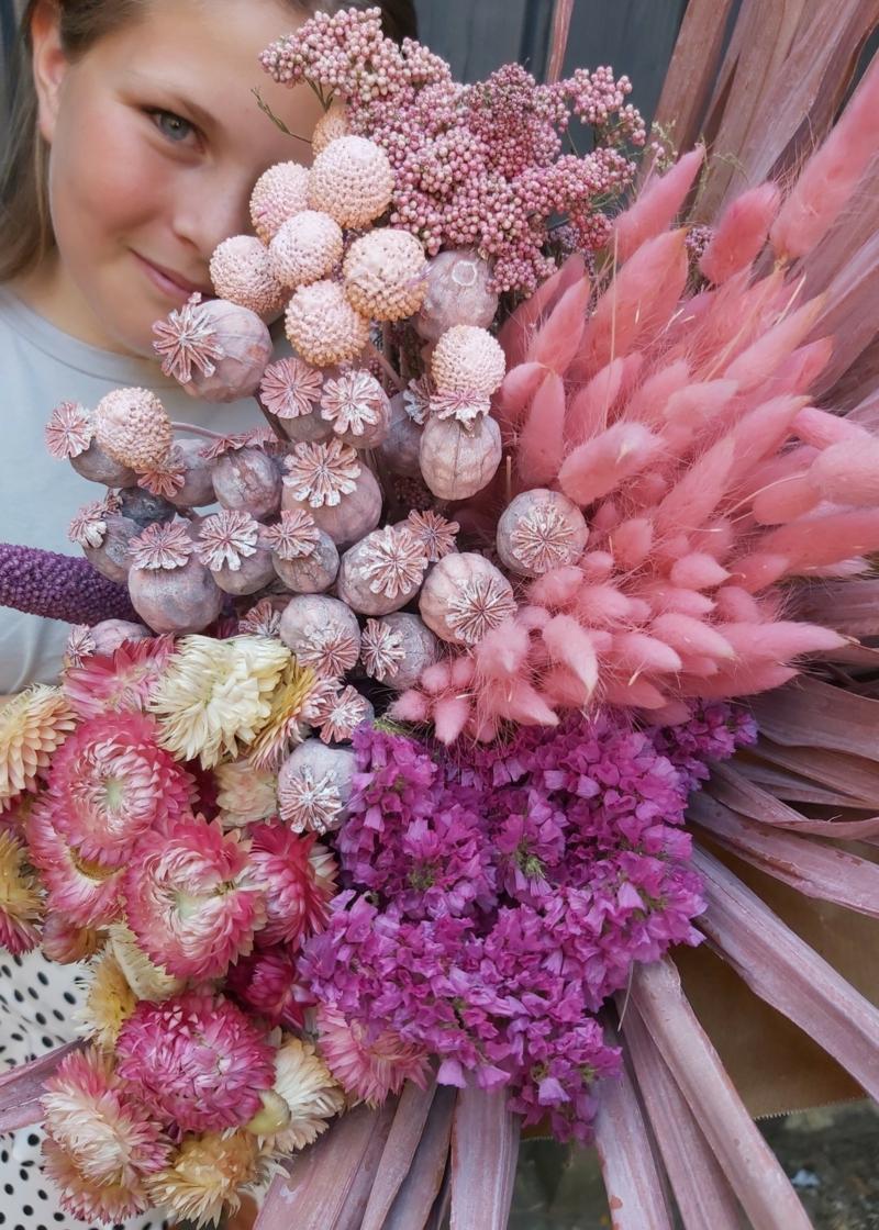 Trockenblumen und Ziergräser rosa lila