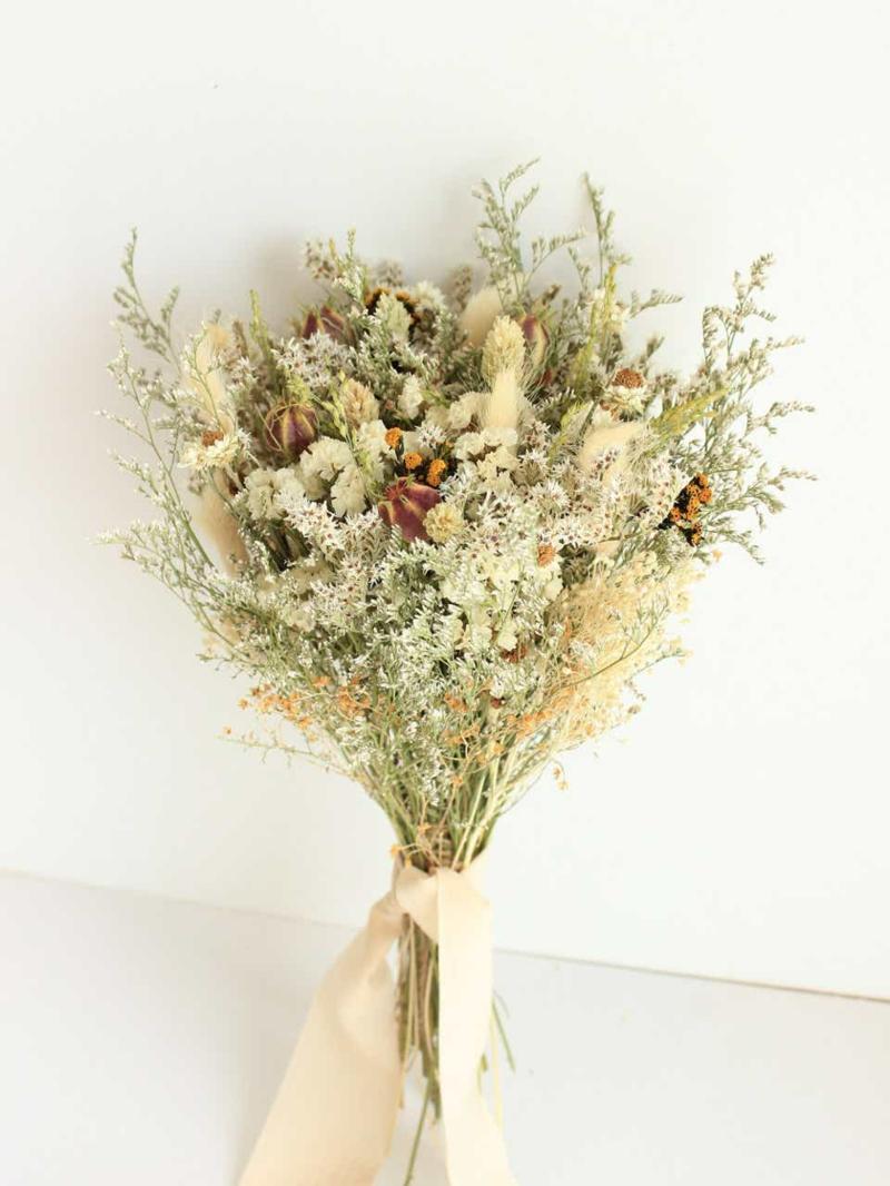 Trockenblumen selber machen riesiger Blumenstrauß