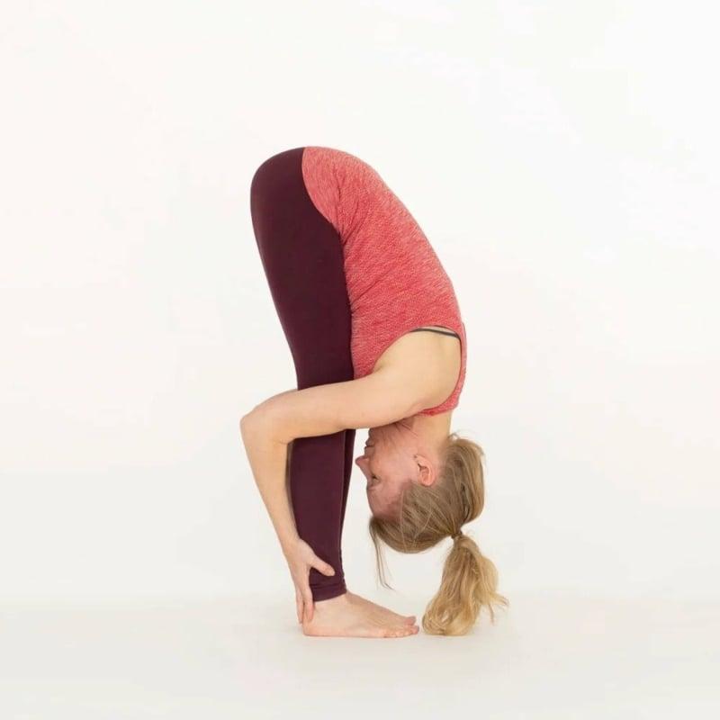 Yoga Haltungen Uttanasana Pose
