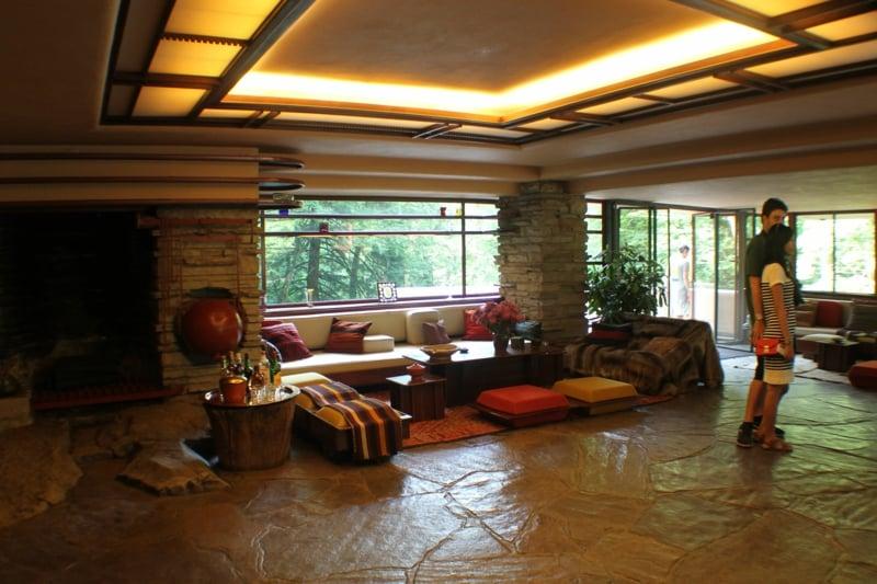 Wohnzimmer geräumig LED-Beleuchtung indirekt Decke