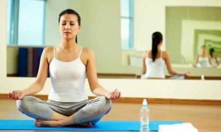einfache Yogaübungen