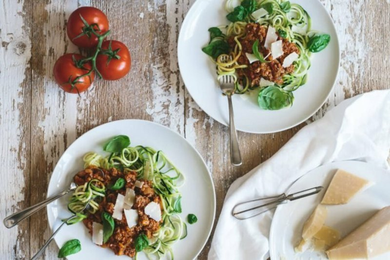 Zucchini Nudeln mit Fleisch