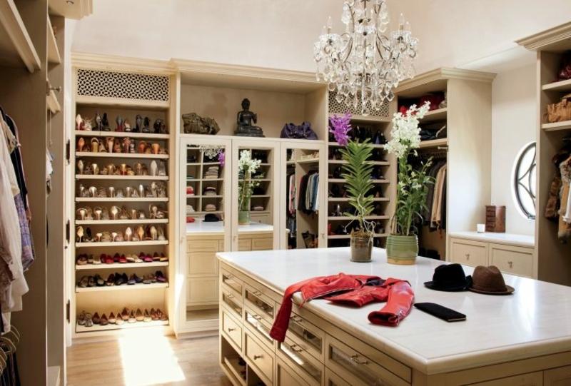 Ankleidezimmer DIY luxuriös