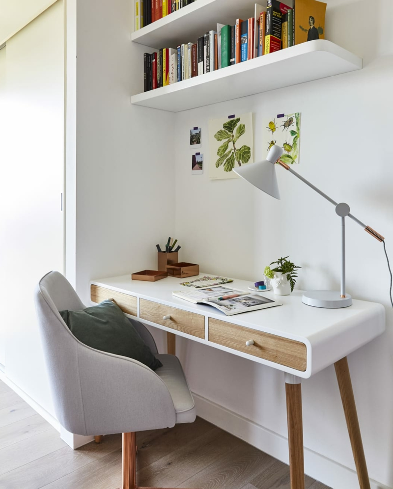platzsparender Schreibtisch Holz