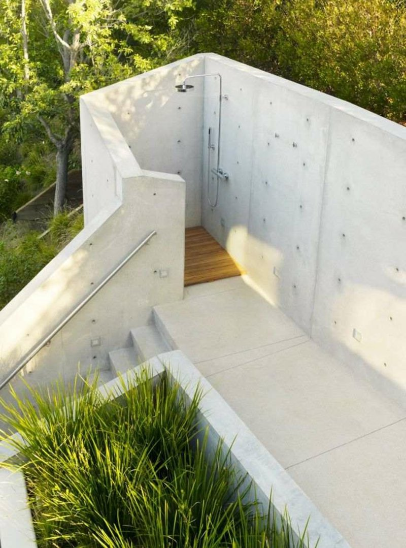 Außendusche Sichtschutz Betonwand Gartendusche selber bauen