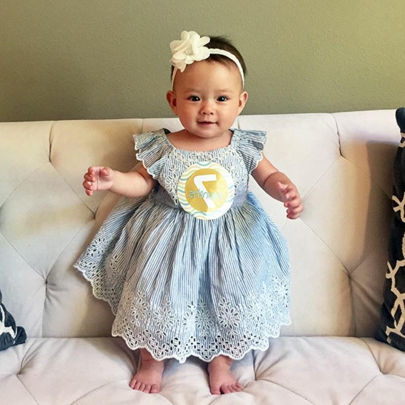 Baby-Mädchen fotografieren niedlich