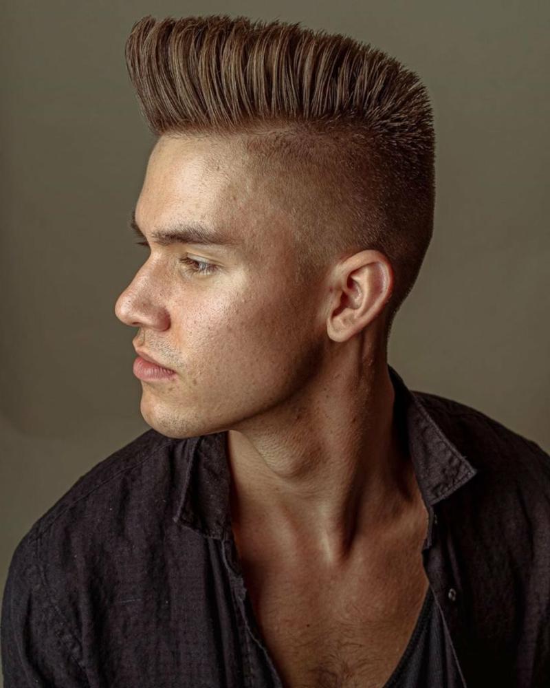 Boxerschnitt lange blonde Haare