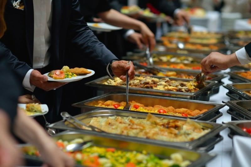 Hochzeit Buffet Ideen vielfältige Salate