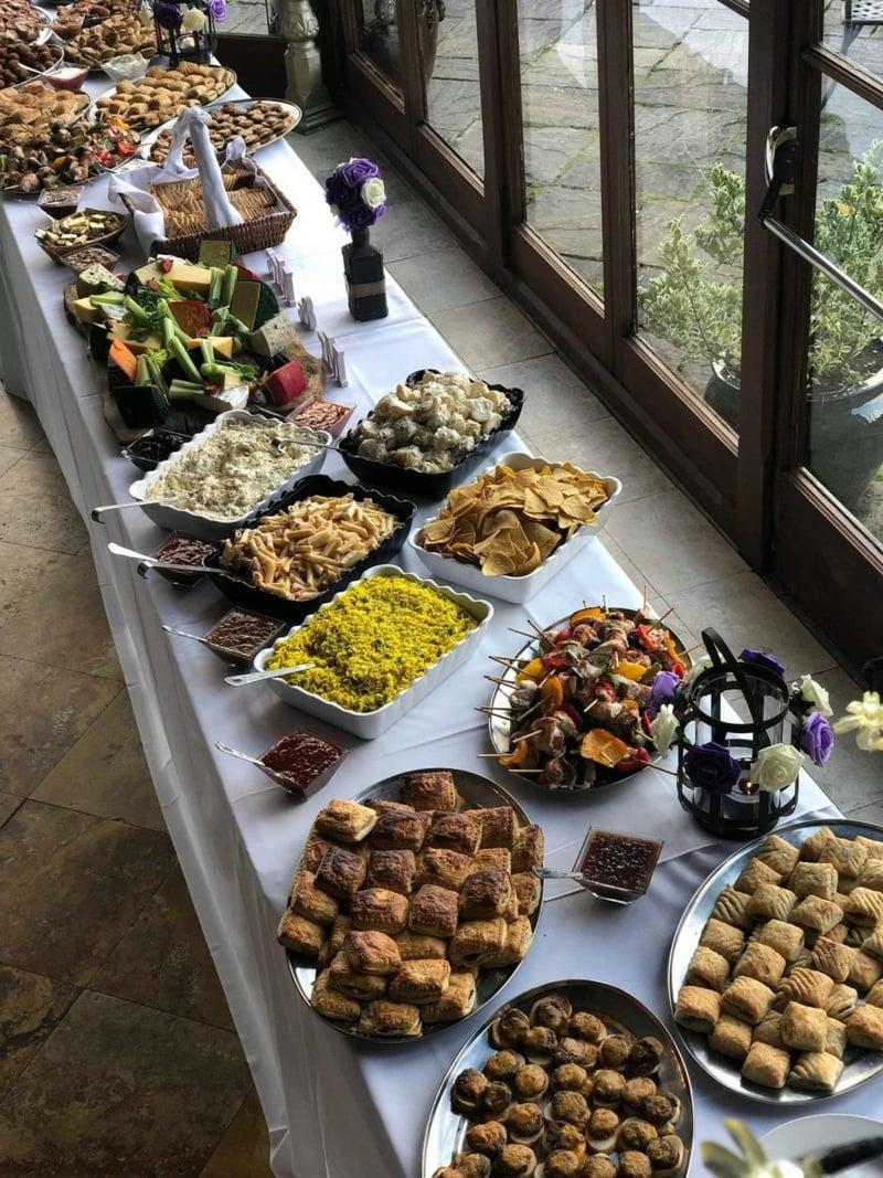 Hochzeit Buffet Ideen Tisch lang