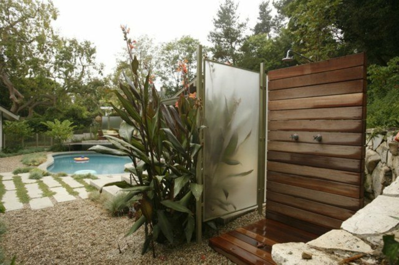 Gartendusche mobile Schutzwand aus Edelstahl