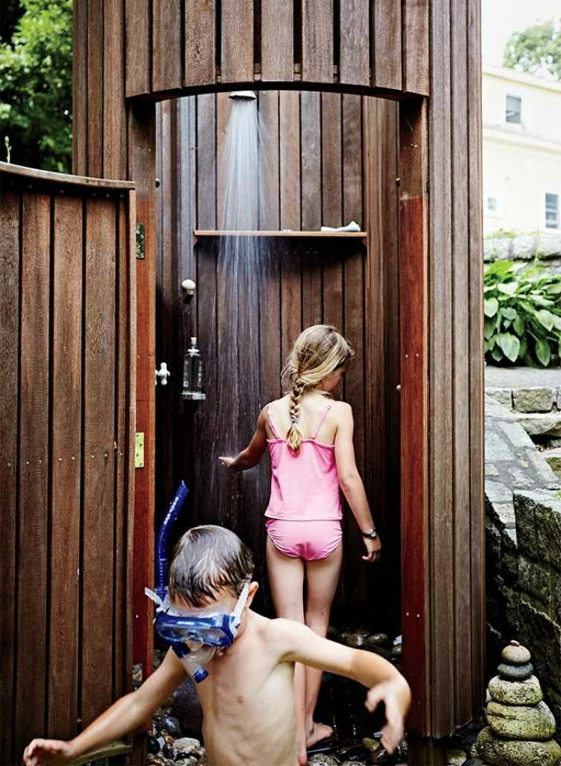 Gartendusche selber bauen tolle Idee für Kinder