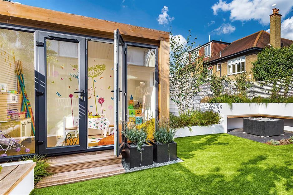 Gartenhaus als ein Spielraum für die Kinder