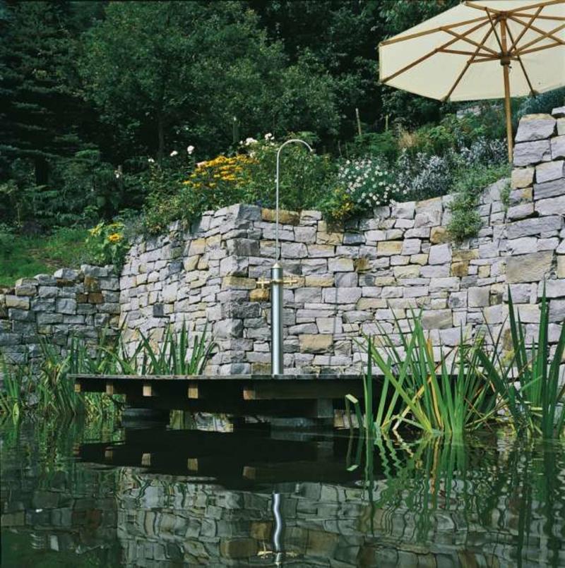 Gartenteich Dusche Steinwand Naturstein