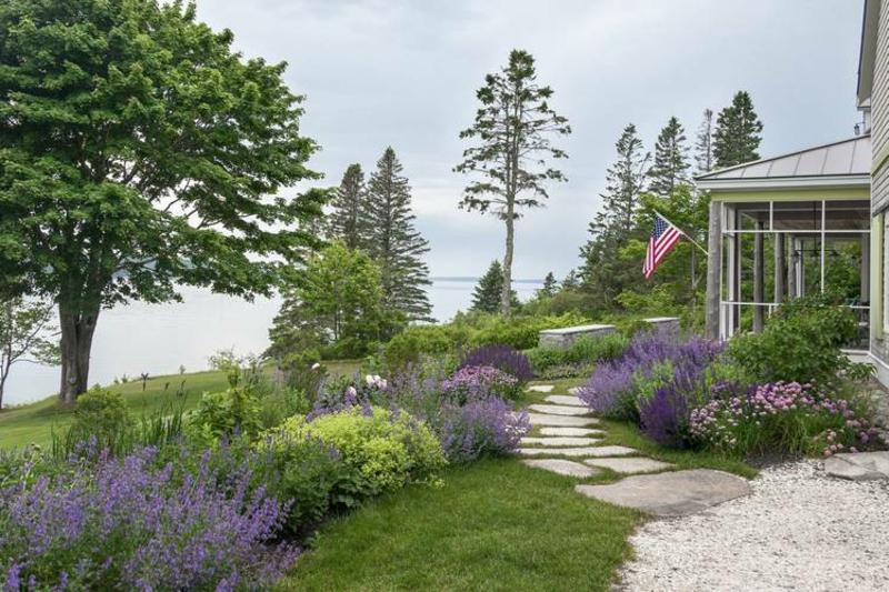 Bäume pflanzen maritimer Garten