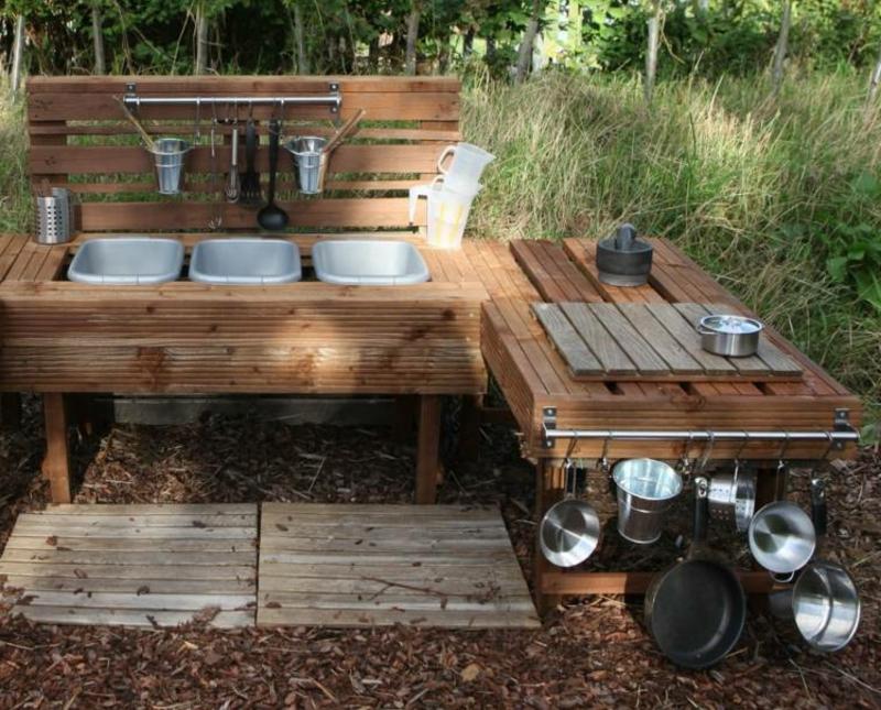 Matschküche selber bauen wirklich groß Garten