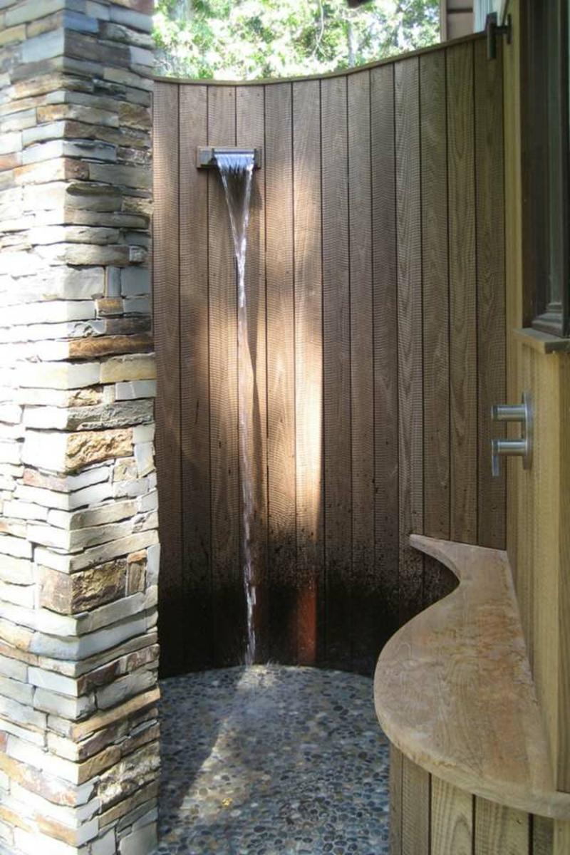Gartendusche selber bauen halbrunde Duschkabine