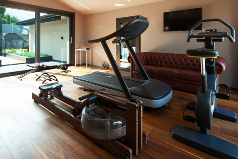 Sportraum klein moderne Geräte