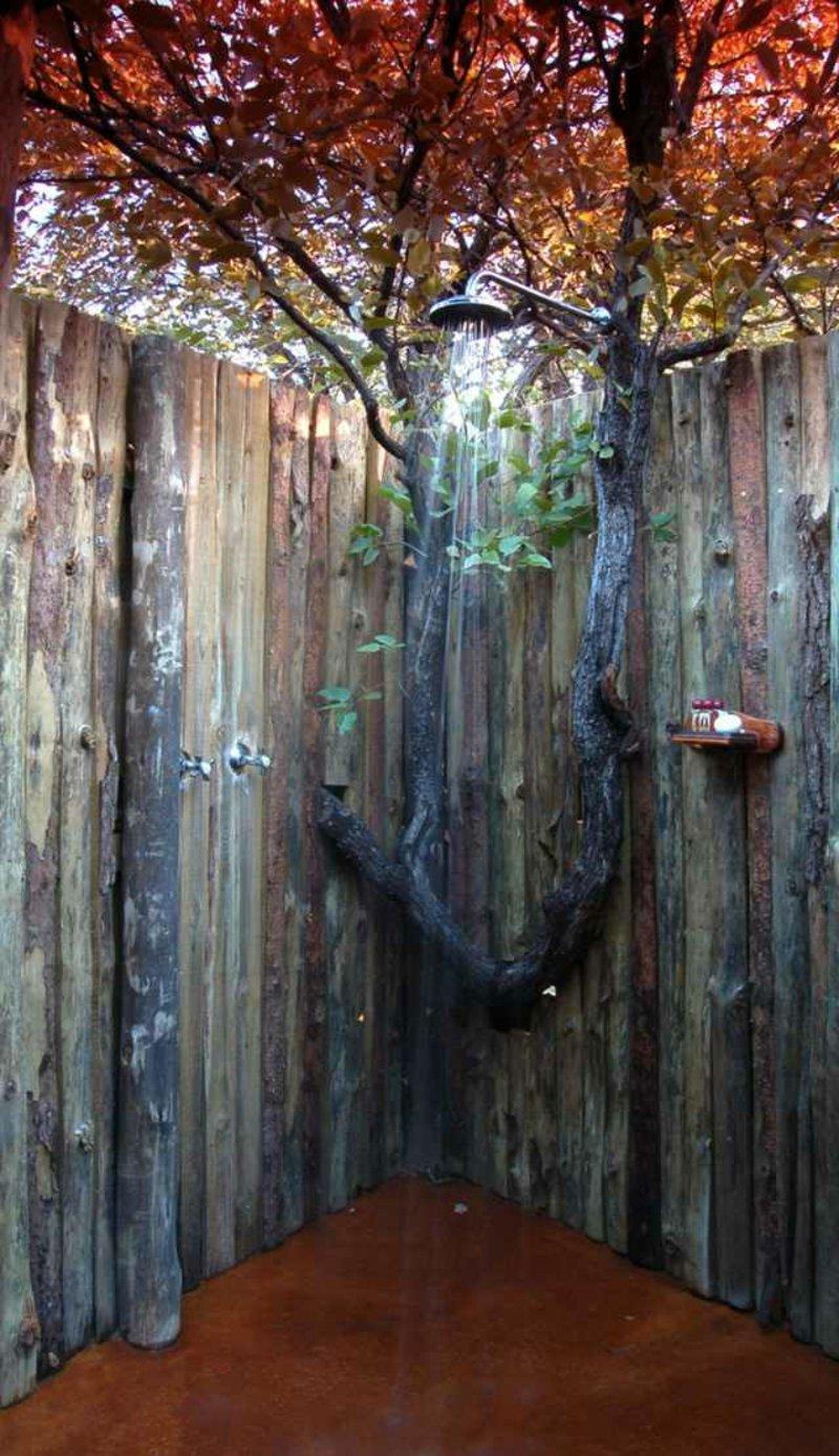 Gartendusche selber bauen hohe Holzwand Sichtschutz