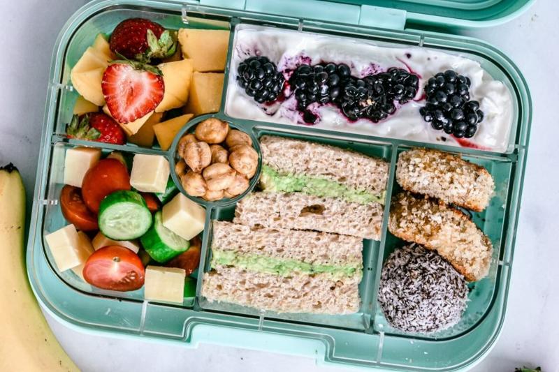 Lunchbox Mittagessen und Dessert