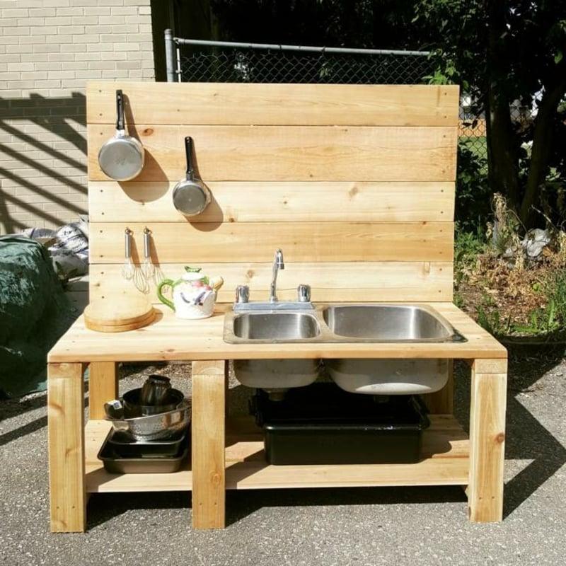 Kinderspielküche bauen Paletten Anleitung
