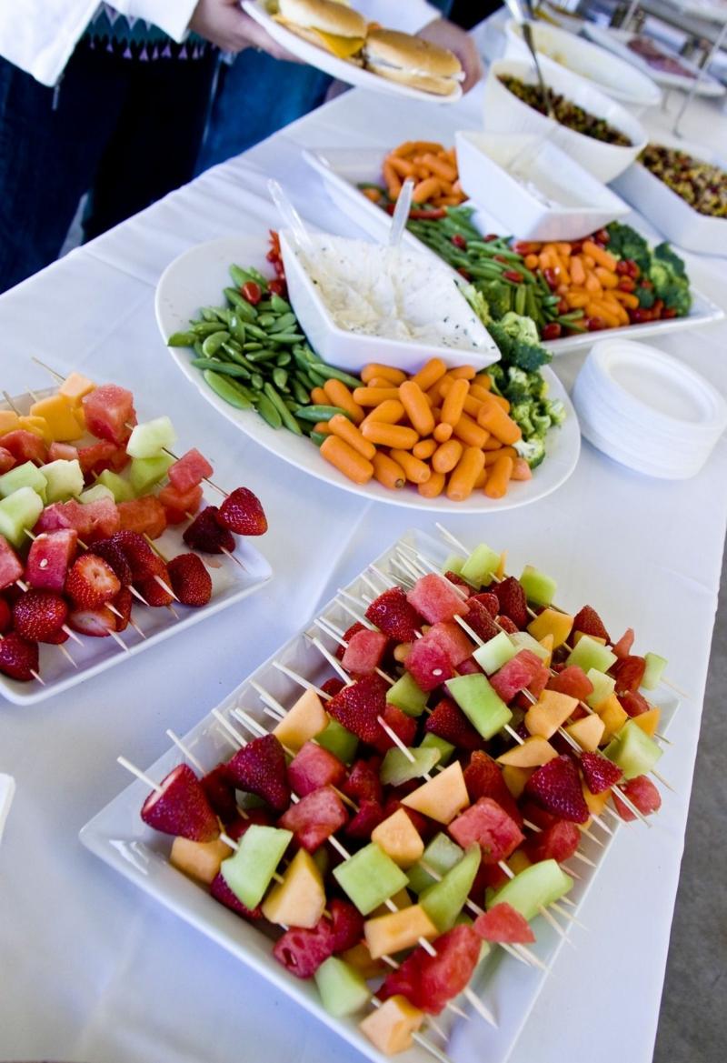 Hochzeit Buffet Ideen gesunde Obstspieße