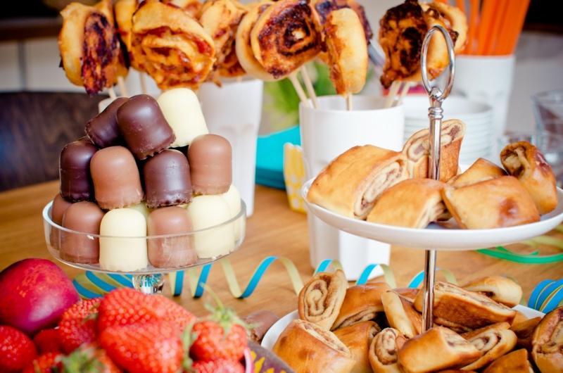 Hochzeitsbuffet mit Süßigkeiten
