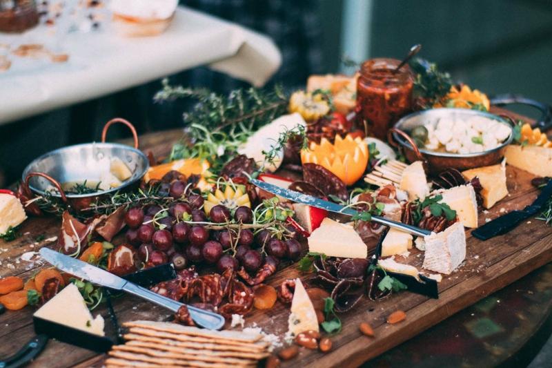 Hochzeitsbuffet mit frischem Obst