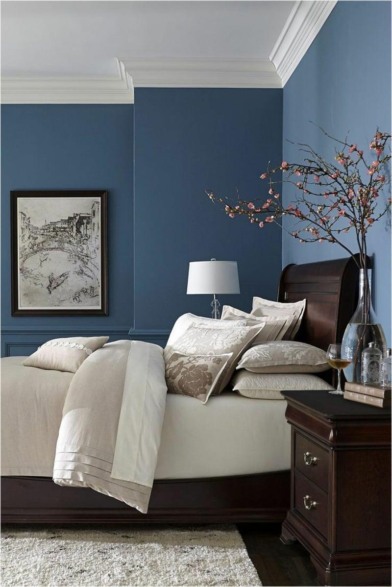 stilvolles Schlafzimmer Wandfarbe Dunkelblau