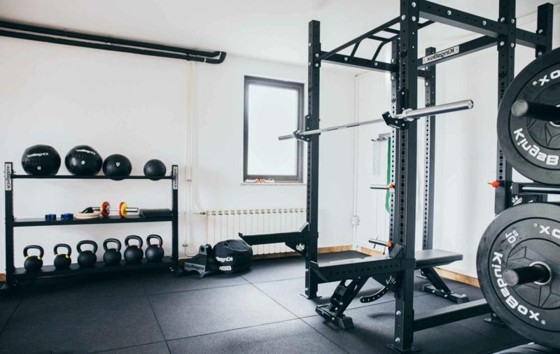 Fitnessraum Zuhause nötige Ausrüstung
