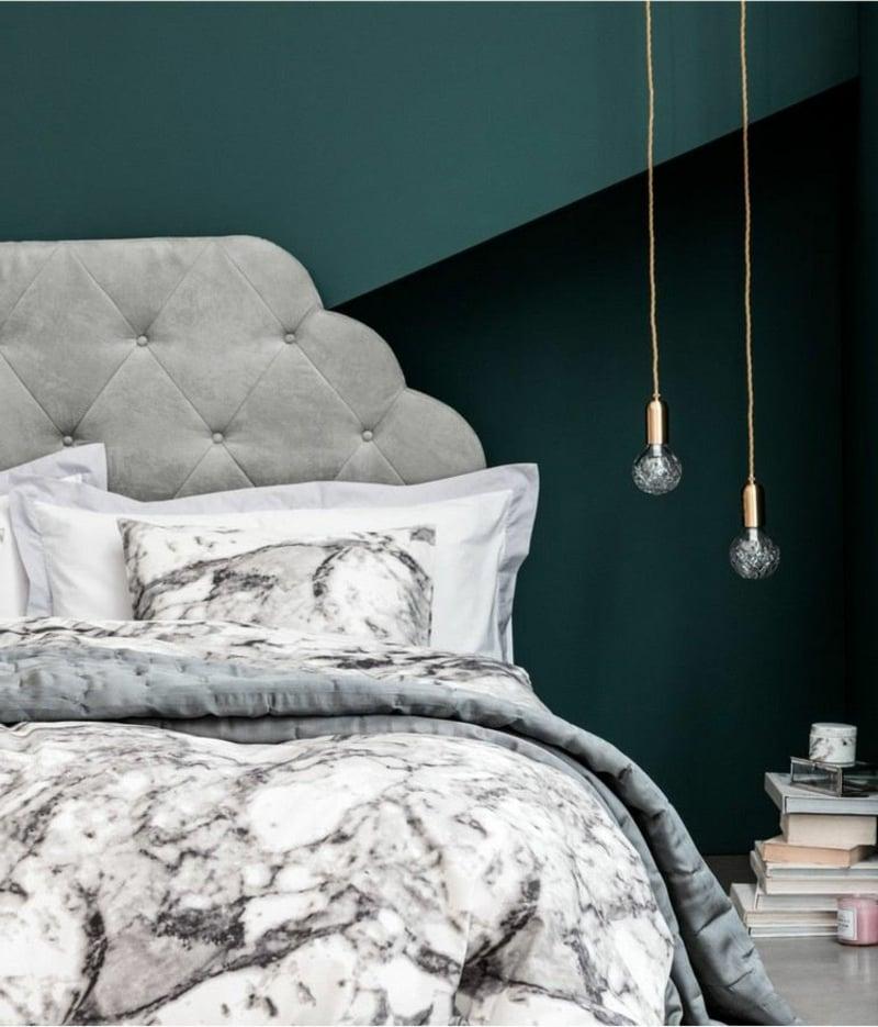 Schlafzimmerwand dunkle Farben