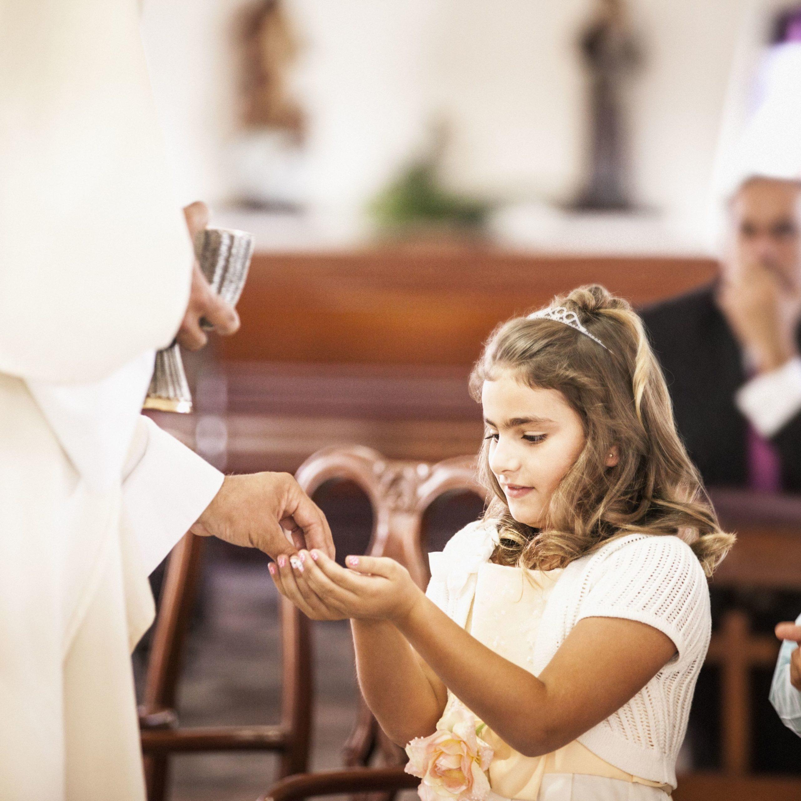 Ihr Kind auf die Erstkommunion vorbereiten